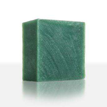 Jade - luxuriöser Seifengenuss für besondere Momente. Der kraftvolle Duft in Verbindung mit einem cremig-weichen Schaum verzaubert Körper und Geist und lädt zur Entspannung ein. Hochwertige Öle pflegen anpsruchsvolle und trockene Haut.