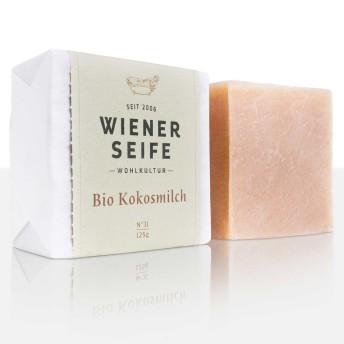 Pflegende Seife für sehr trockene Haut mit extra viel Bio Kokosmilch. Pflanzliche Proteine sind allergenfrei und machen eine weiche und geschmeidige Haut.