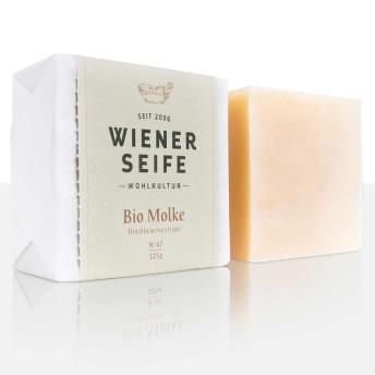 Die in unserer Bio Molke Seife enthaltene Süßmolke und das edle Haselnussöl wirken wohltuend bei problematischer, allergischer Haut machen sie elastisch und seidig-zart. Speziell auch für die Intimpflege geeignet.